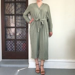 Old Navy long sleeve olive green jumpsuit NWT